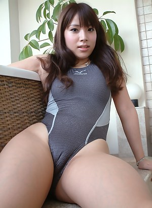 Horny Girls Cameltoe Porn Pictures