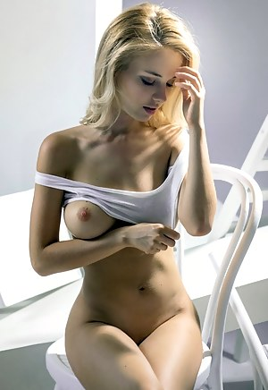 Horny Glamour Girls Porn Pictures