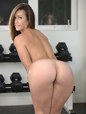 Horny Girls Gym Porn Pictures