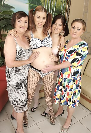 Horny Pregnant Girls Porn Pictures