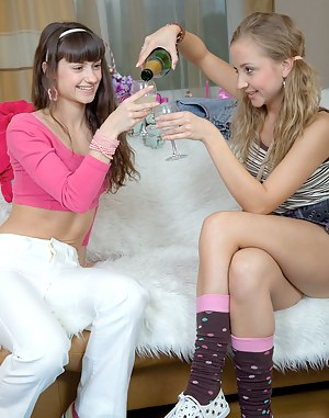 Horny Drunk Girls Porn Pictures