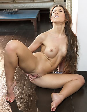 Horny Long Hair Girls Porn Pictures
