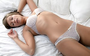 Horny Girls Sleeping Porn Pictures