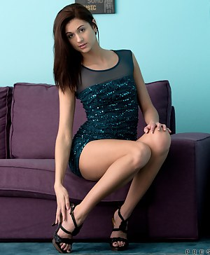 Horny Girls Dress Porn Pictures