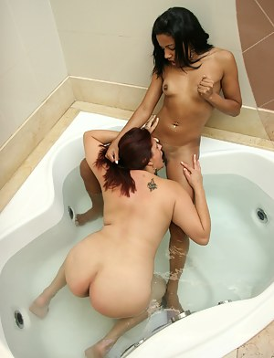 Horny Lesbian Girls Interracial Porn Pictures
